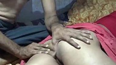 Desi sleeping wife hard fucking by hubby with sound