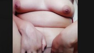 Beautiful Kashmiri girl fingering pussy video call