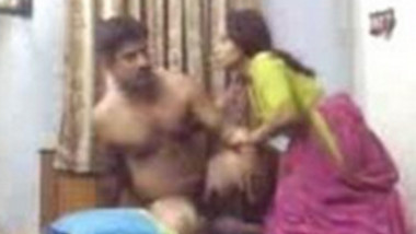 Desi man fucking neighbour housewife