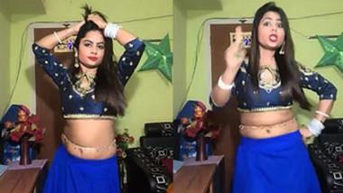 Priya new video ,Navel dance on song Bandh kamre mein pyar karenge