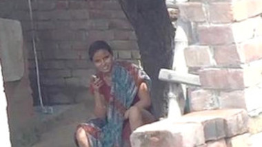 Desi Village Girl Showing Pussy to neighbor