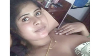 Mallu married aunty in nighty stripping for bf selfie