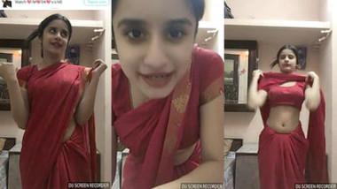 Dickraising Cute girl expose herself… CUTEST BABE …Saree navel,Slut
