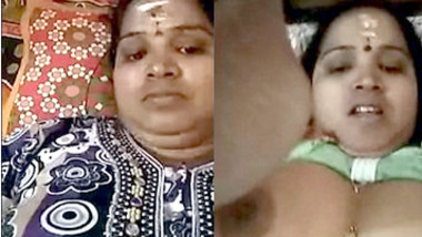 desi aunty fingring with video call