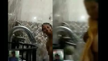 Desi BBW bathing on video call