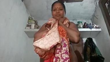 mallu aunty strip dress show boobs and pussy