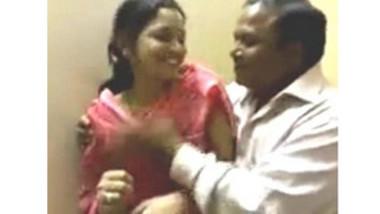 Desi Bhabhi in Salwar Suit Boobs Fondled