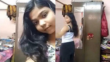 Desi babe with curvey and beautiful ass nude selfie for bf