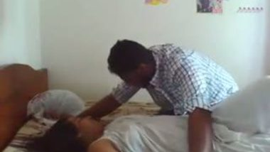 Mature Indian bhabhi seduced by neighbor for home sex