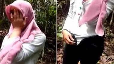 Hijabi Gf Booby young with Bf in forest