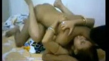 Indian bhabhi tries to conceive in Missionary position