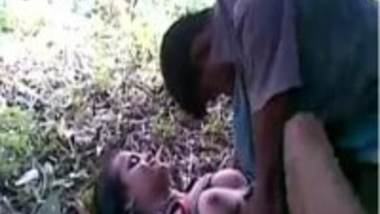 Outdoor desi sex video of college girl Champa threesome chudai