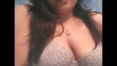 Desi Indian Busty Girlfriend Strips On Webcam To Expose Boobs