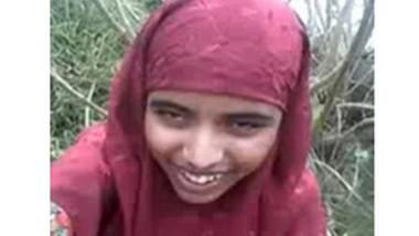Indian muslim girl fucked outdoor