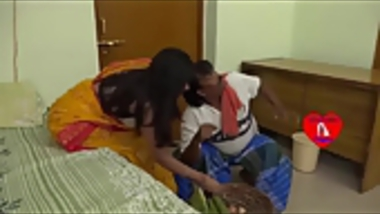 FSIblog Exclusive :Funny clip for Onion high price in India