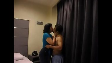 Hot Aunty Stripped By Lover In Hotel Room