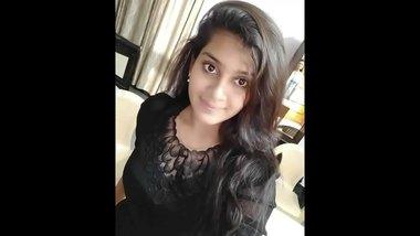 Finger Fucking Pakistani Teen Girl's Sexy Pussy