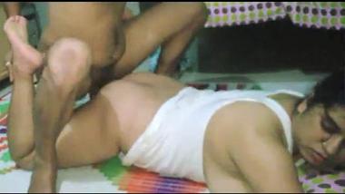 Hidden cam records Delhi bhabhi's hardcore sex act!