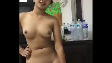 Desi Teen Babe's Hot Nude Dance
