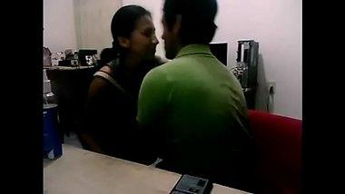 Desi Office Sex Video Caught On Cam