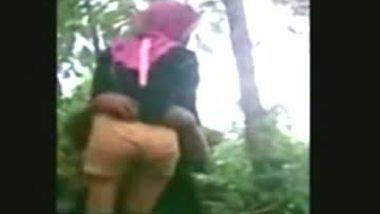 Desi outdoor sex video of nepali teen couple