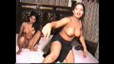 Hot Mujra By Pakistani Women