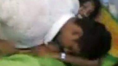 Chennai wife in Saree enjoys rough and hardcore sex