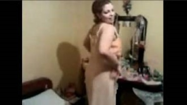 Sexy Arab Housewife Cheating On Husband