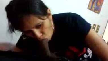 Mature Ahmadabad auntie's desi amateur blowjob mms