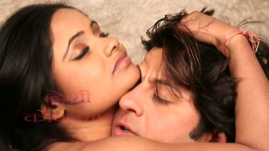 Bollywood sexy videos of a desi housewife and her boyfriend.