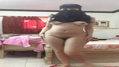 Big boobs sexy Delhi girlfriend makes solo sex tape for lover