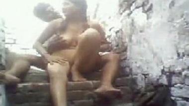 Dost ki kuwari bahan se fuck ka choda chodi sex video
