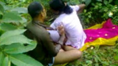Hot Indian couple fucking outdoor