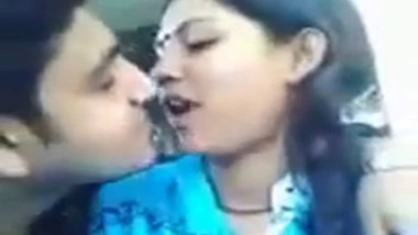 sexy desi couple deep kiss with chewin gum swap