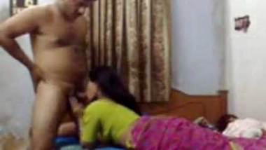 Kamwali bhabhi ko papa ne choda