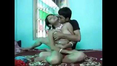 Gujarati bhabhi ki apni pati ke chote bhai se wild chut chudai