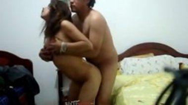 Free Indian porn of college girl fucks Senior batchmate