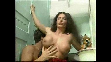 Big boobs wali didi ko chote bhai ne jamkar choda