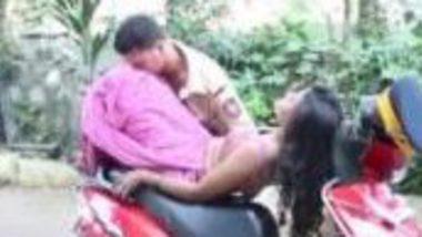 College teacher ne police wale se sexual maje liye