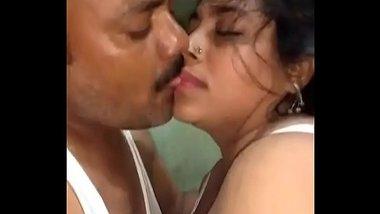 Moti bbw mami se papa ka ghar pe sambhog scandal