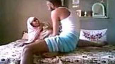 Real Indian home sex of Sikh men fucking his servant in absence of his wife