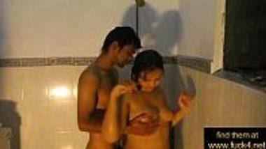 Mumbai desi Indian step sister romantic sex masti in shower