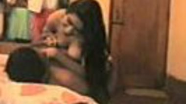 Cheating desi aunty rides and fuck to her husband friend