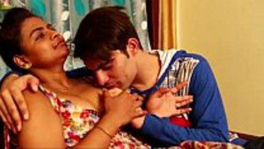 Hindi xxx blue film of Punjabi step mom son cheat sex masti
