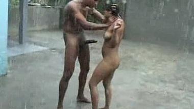 Nagpur mai premika ne nanga rain dance karke fuck kiya