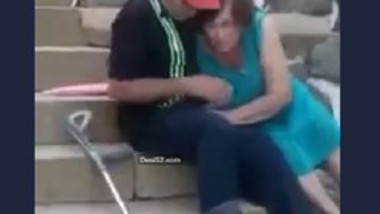Desi aunty sucking Uncle cock