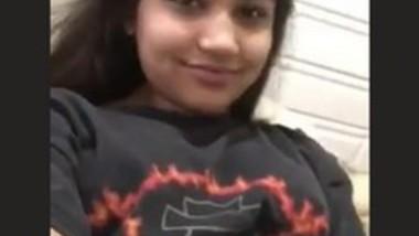 Desi Beautiful Girl Fingering