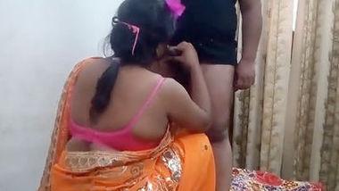 Desi sexy bhabi suck her devar dick