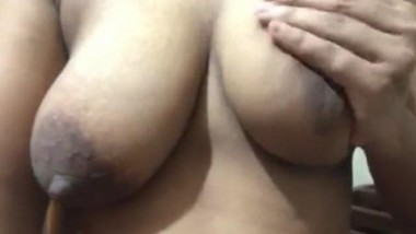 SL Bhabi Playing with Big Boobs