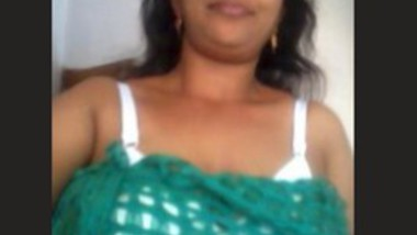 Desi Bhabi Nude Selfie